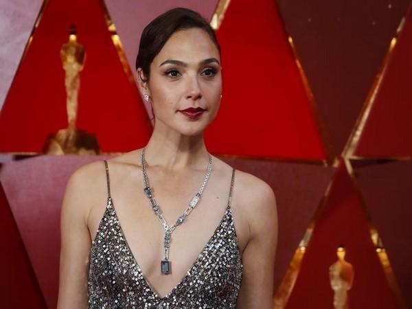 90th Academy Awards - Oscars Arrivals - Hollywood, California, U.S., 04/03/2018 -  Gal Gadot. REUTERS/Carlo Allegri