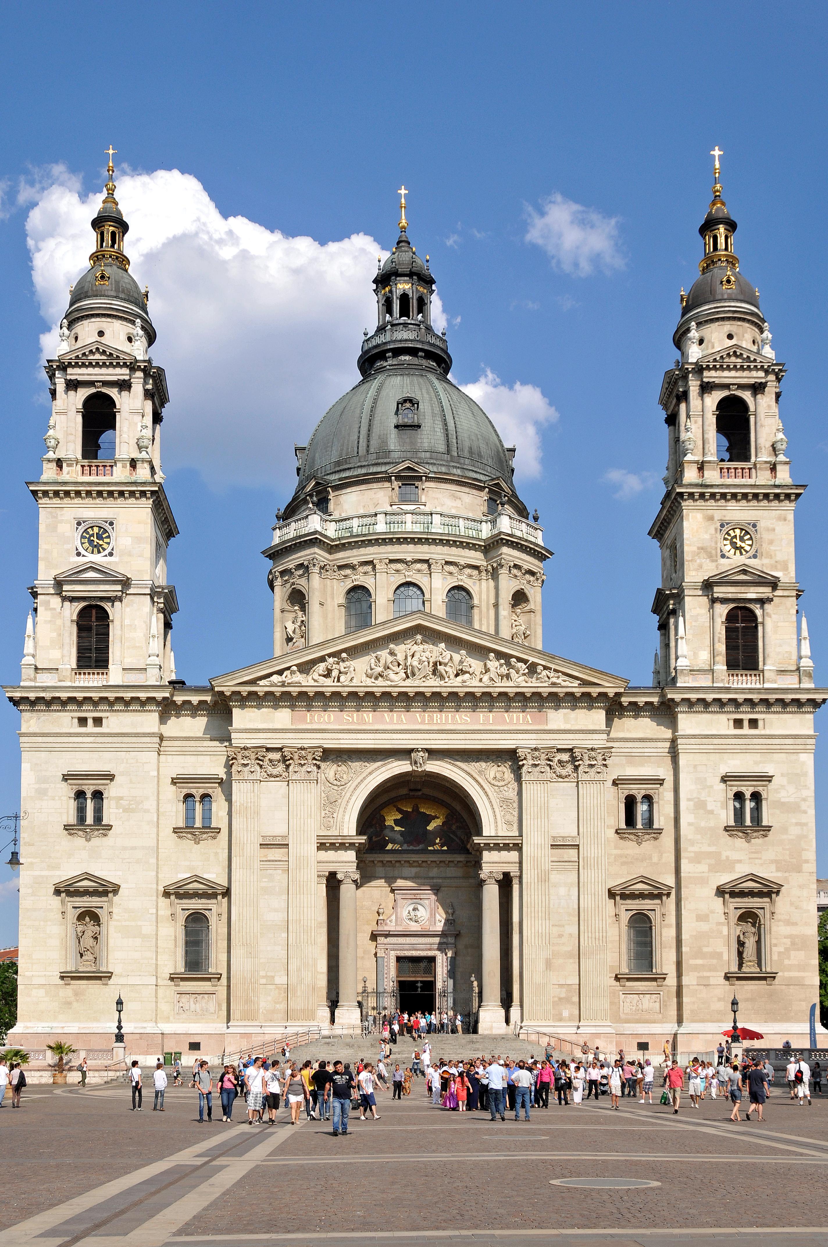 Hungary-0083_-_St._Stephen's_Basilica_(7278304546)
