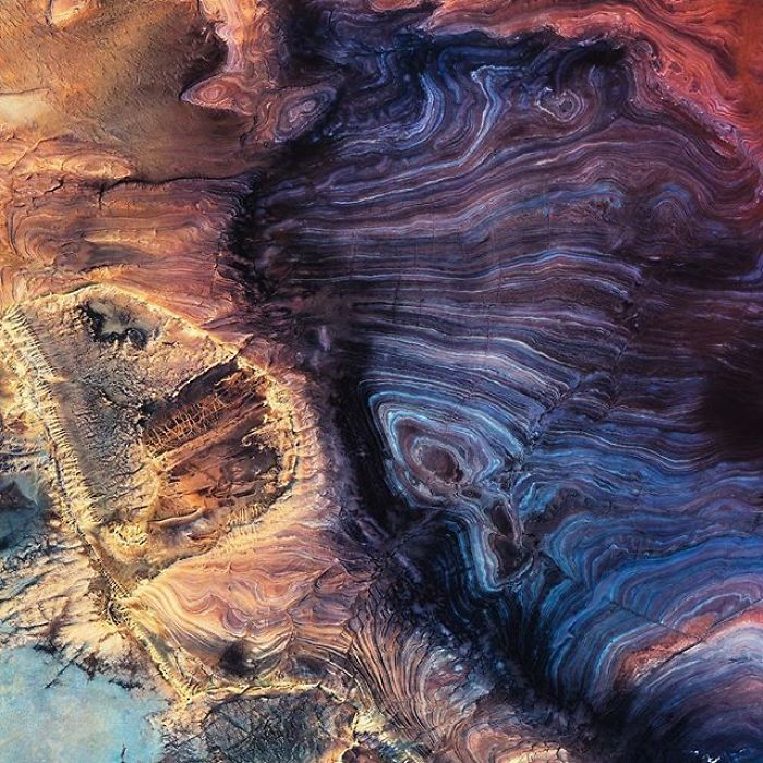 Fantastic-photos-show-the-planet-seen-from-above-5bf3e5a9af509__700