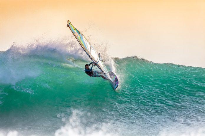 windsurfing-2212364_960_720