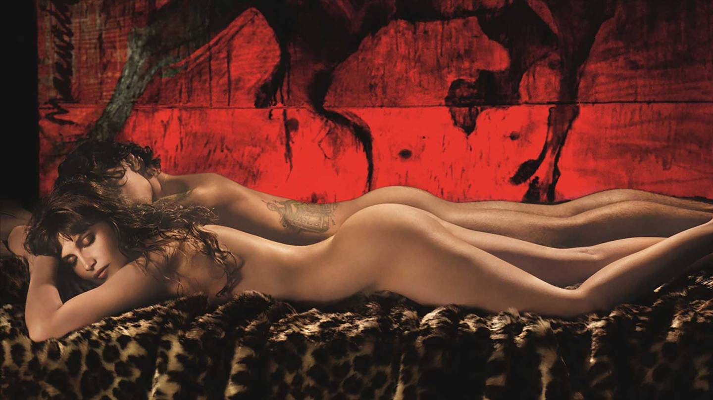 Gigi-Hadid-Stars-in-the-2019-Pirelli-Calendar-11