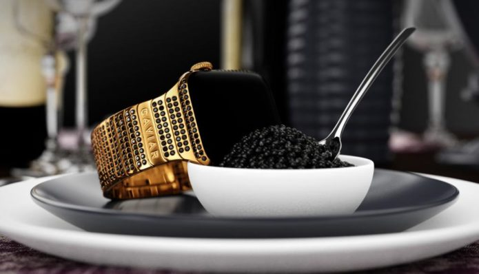 black-caviar-Apple-Watch-Series-4-1-1014x580