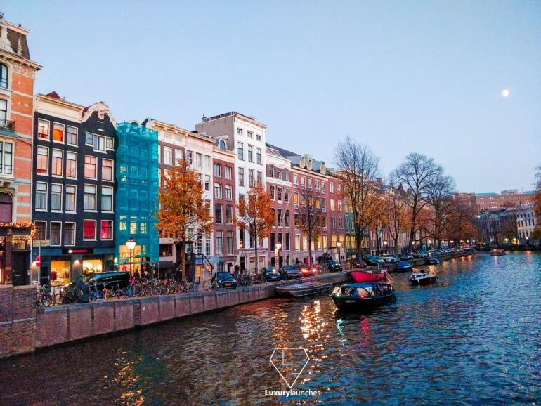 Evening-Canal-Ride-amsterdam-770x578