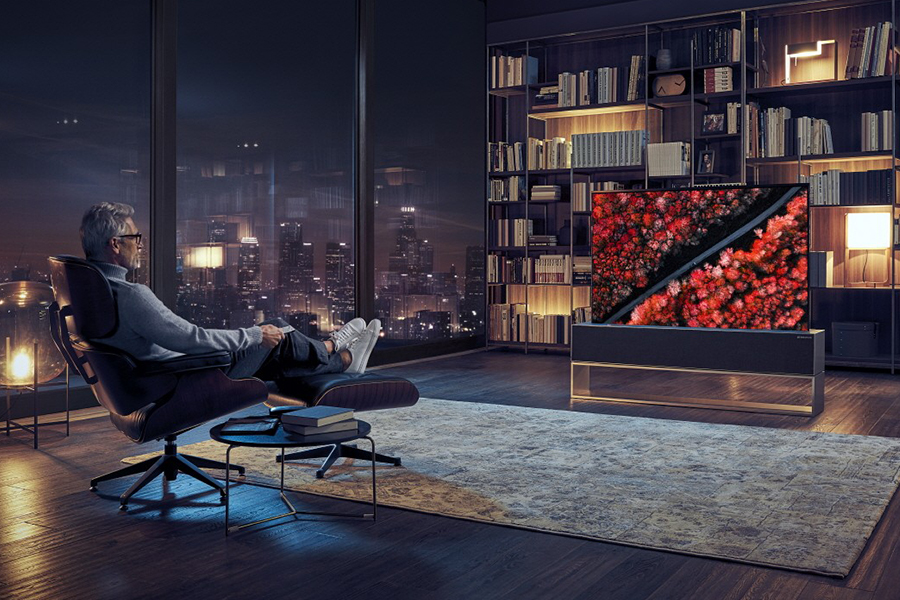 Worlds-First-Rollable-OLED-TV-LG-4