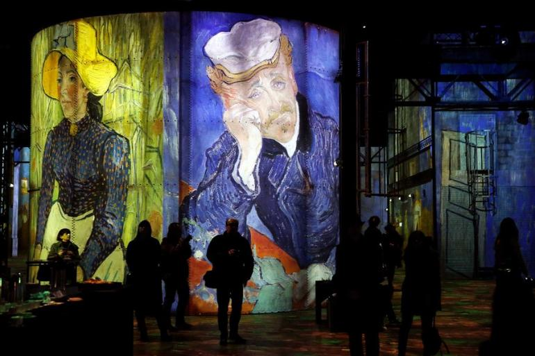portraits-van-gogh-la-nuit-etoilee-exhibition-paris-STARRYNIGHT0319-770x513