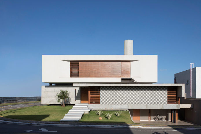 IF-HOUSE-by-Martins-Lucena-1