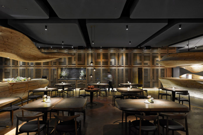 Stunning-Conceptual-Wooden-Restaurant-in-Taiwan-12