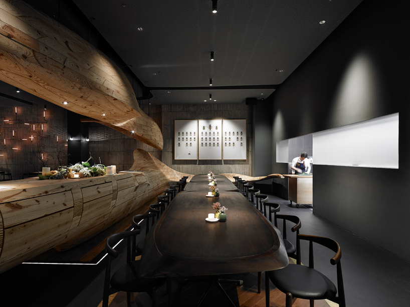 Stunning-Conceptual-Wooden-Restaurant-in-Taiwan-71