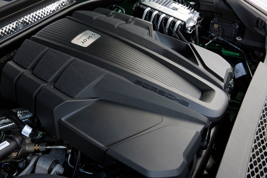 Your-first-Porsche-Hands-on-with-the-2019-Macan-S-V6-Engine-2