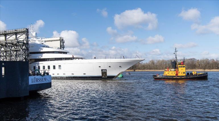 lurssen-311-foot-long-megayacht-2-770x425