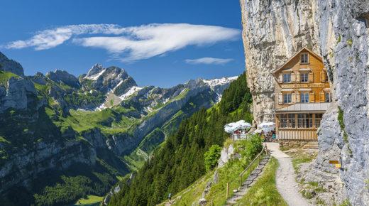 Svájci étterem a hegyoldalban