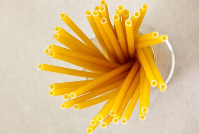 pasta-straws-reduce-plastic-waste-italy-bars-3-5d9c4ea4ebef9__700