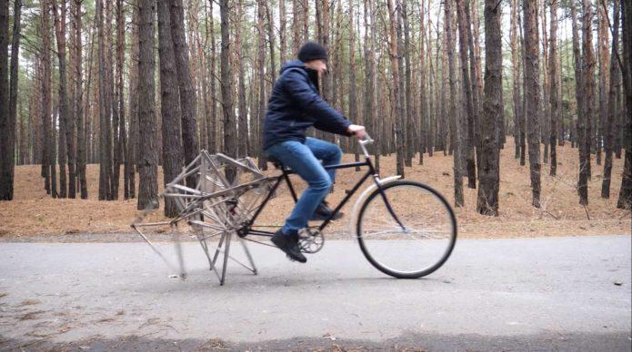 An-Eye-Catching-Walking-Bicycle1