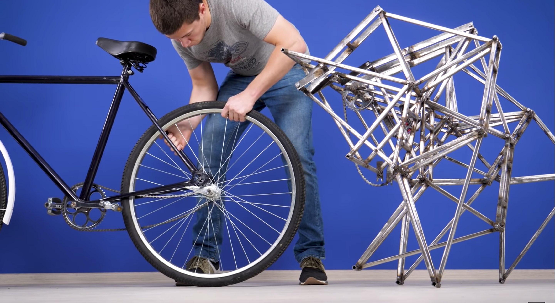 An-Eye-Catching-Walking-Bicycle2