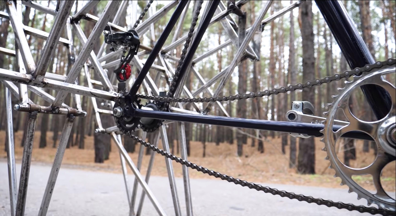 An-Eye-Catching-Walking-Bicycle3