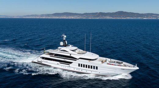 Lenyűgöző 5,5 millió dolláros négy hálószobás úszó tengeri villa