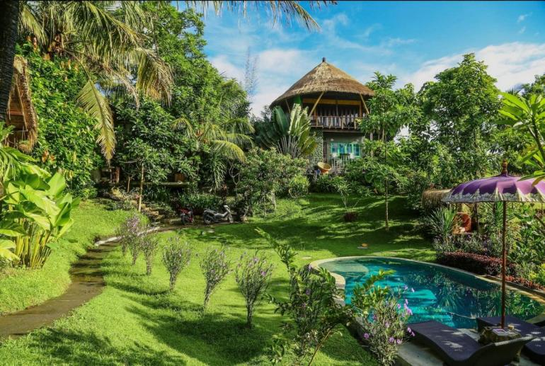 Balian-Treehouse-Bali-Indonesia-Airbnb-770x517