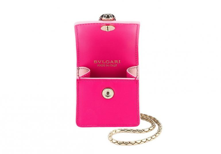 Bulgari-Air-Pods-Case-2-770x536