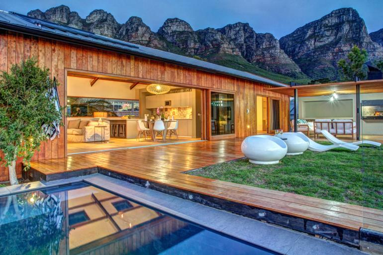 Everview-Suite-Cape-Town-South-Africa-Airbnb-770x513