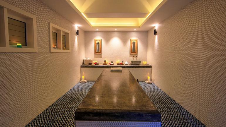 Fiji-Mega-Luxurious-Resort-12-770x434
