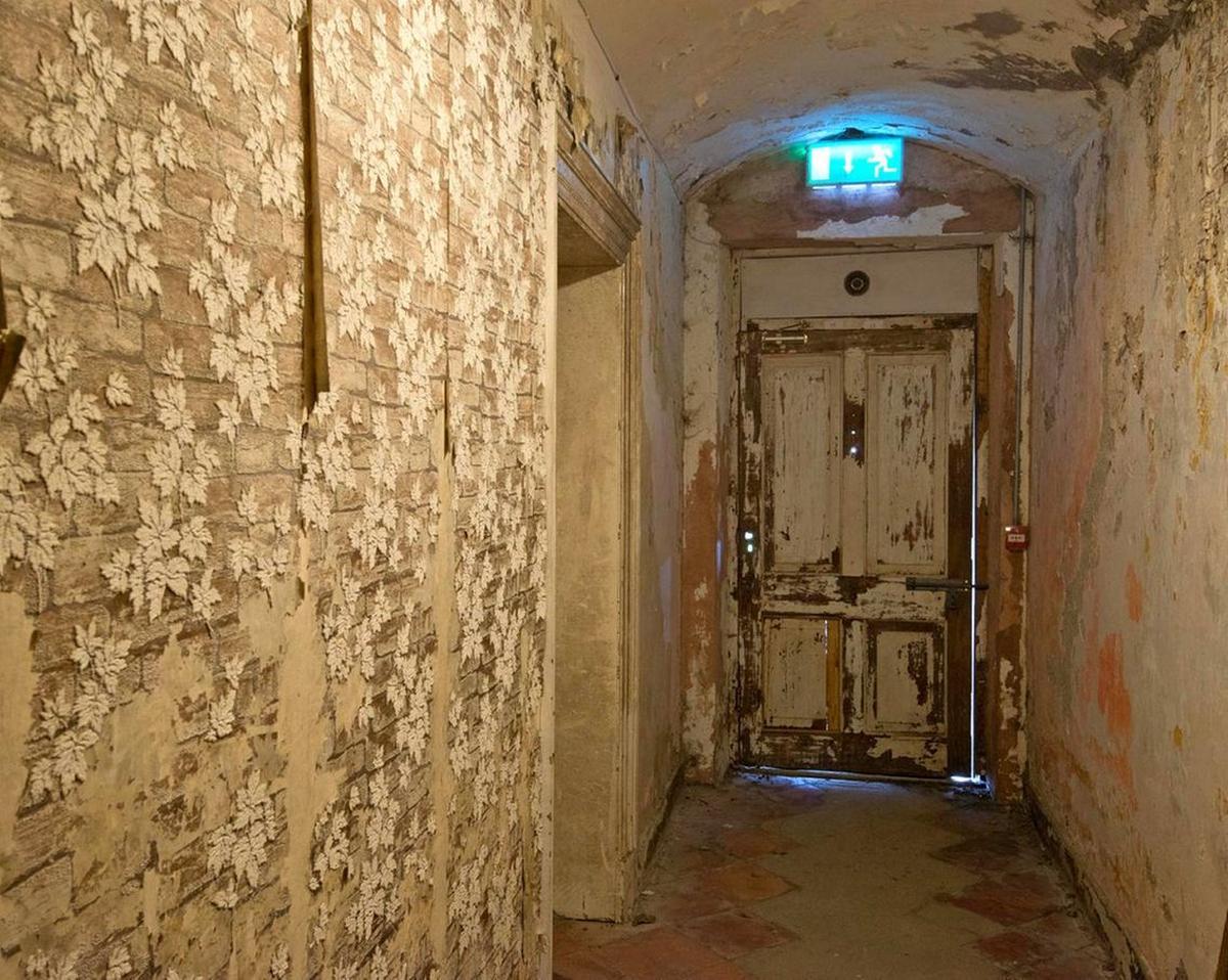 Irelands-Most-Haunted-Mansion-3