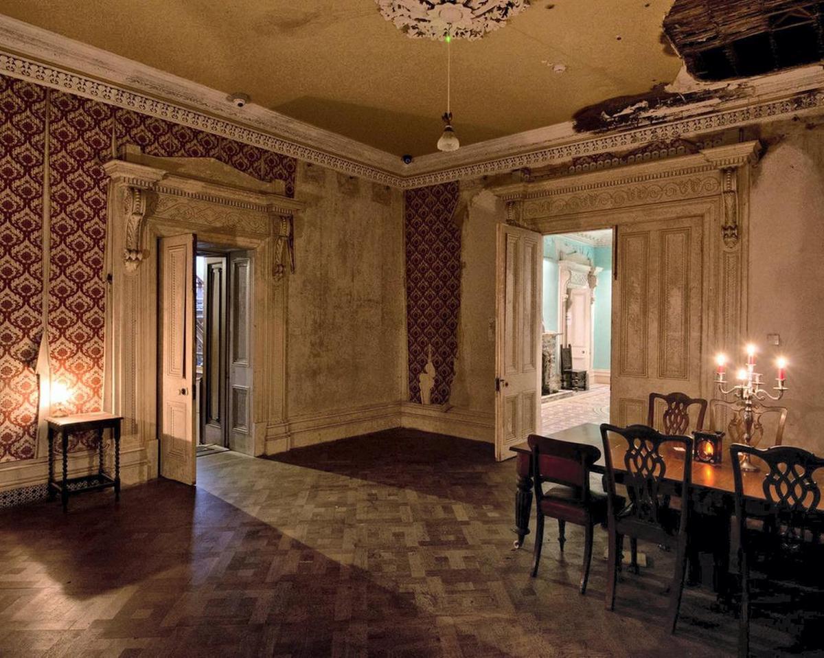 Irelands-Most-Haunted-Mansion-6