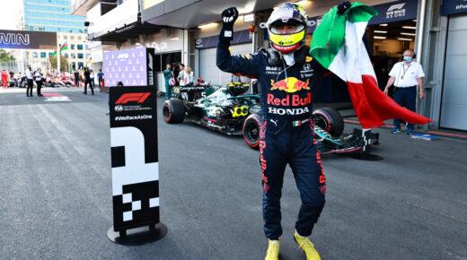 Verstappen az élről kapott defektet, Sergio Pérez nyert Bakuban