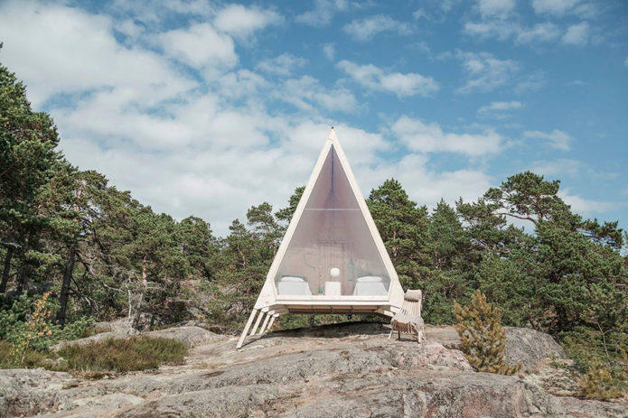 Nolla-Cabin-is-the-Epitome-of-Tiny-Living-1