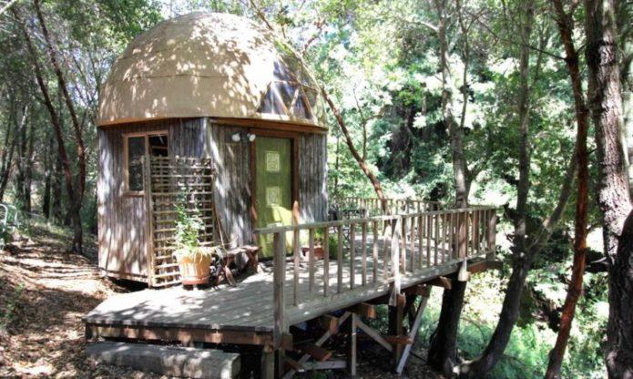 Most-Popular-Airbnb-Mushroom-Dome-Cabin-13-1020x610-970x580