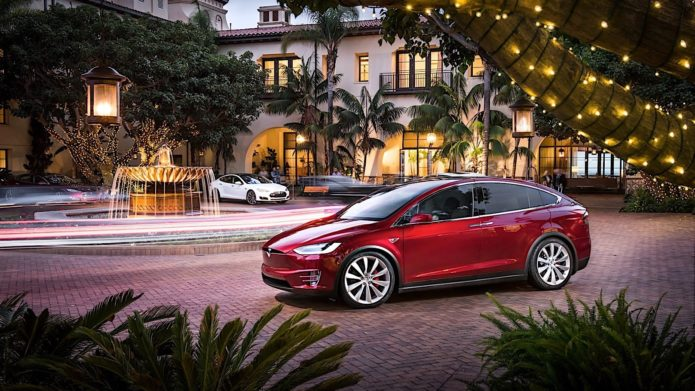 new-tesla-model-s-and-x-buyers-get-free-supercharging-old-customers-are-angry_25