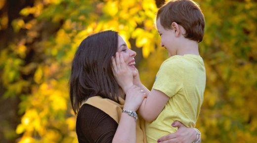 A szeretethez nem kellenek szavak – egy autista kisfiú hétköznapjai