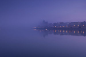 My-10-Years-Worth-Of-Photos-Of-The-City-Of-Budapest-Disappeared-In-Fog-5df3972398d07__880