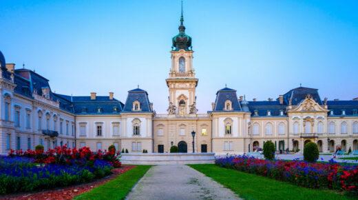 Ez a magyar kastély lett a központi helyszíne a Netflix új sikersorozatának